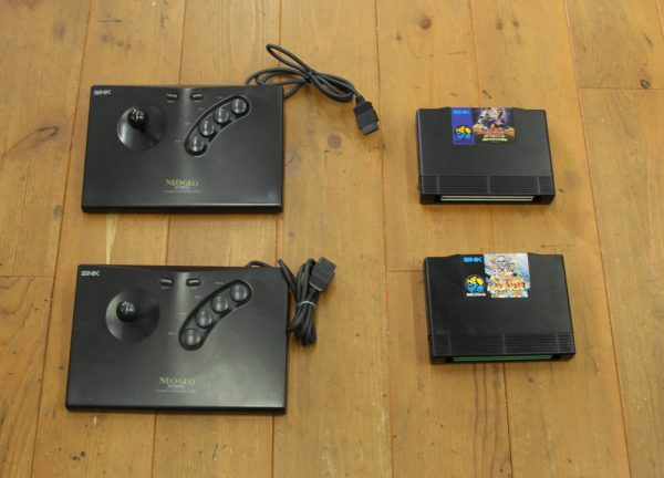 SNK ネオジオ AESのソフトとジョイスティック高価買取しました!